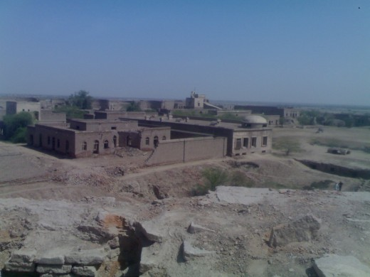 """""""Darawar"""" fort at """"rohi"""" built about 600 years ago (Picture by: Maaz)"""