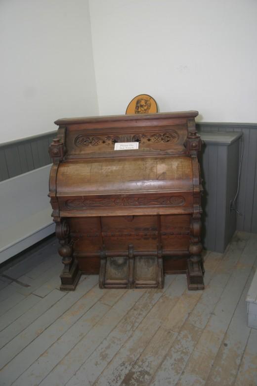 Original organ located in the Church of the Reverend Josiah Henson
