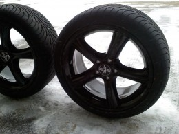 """18"""" 2010 GT Premium wheel with 245/45/18 high performance tires"""