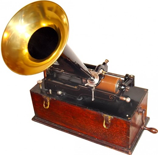 Edison Phonograph. Edison visualized his Phonograph would be very useful for office dictation. Image Credit: Wikipedia Commons.