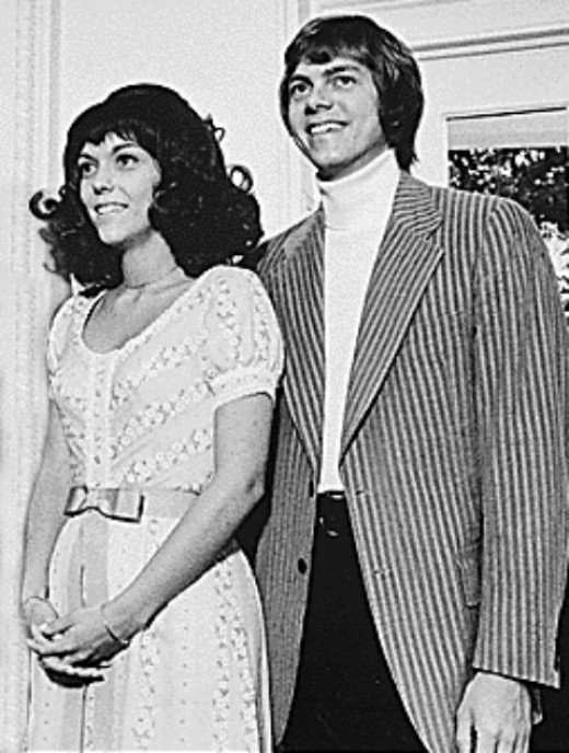 Karen & Richard Carpenter, at US President Nixon's office in White House (1August1972)