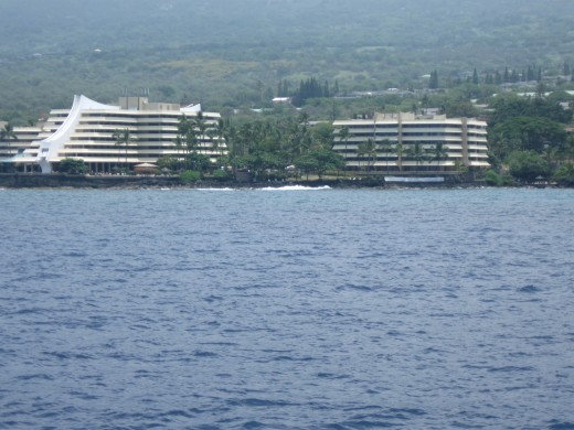 Passing the Royal Kona Resort on Kailua Bay
