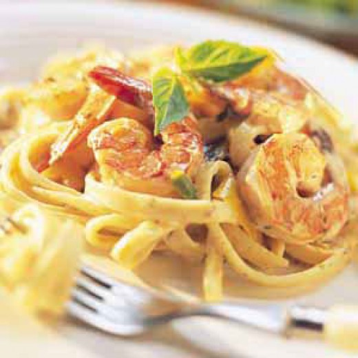 Love garlic. Try out this shrimp alfredo recipe with a difference
