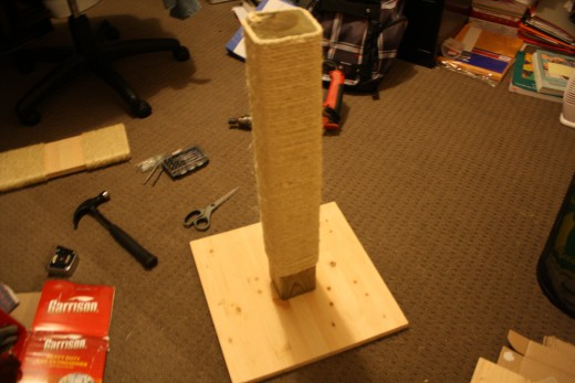 Build your cat a scratching post for Homemade cat post