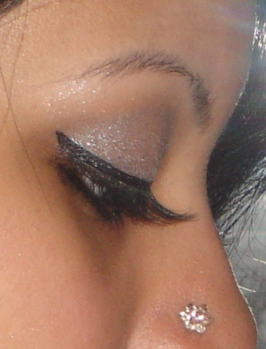 profile view of my eye shadow. By the time I took this picture after coming back home, most of my eye shadow was gone