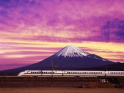 How to ride the Shinkansen - Japan's Bullet Train