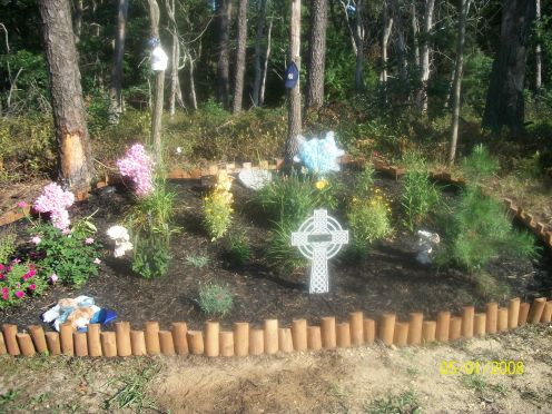 This is the memorial that Colleen's husbnd made for her
