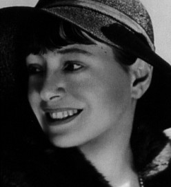 Miss Parker's Pain: the Romantic Heart of Dorothy Parker