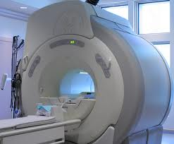 Closed MRI is not good for claustrophobic or obese patients.