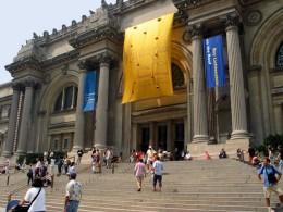 Metropolitan Museum of Art, New York. Depositary of stolen artworks?