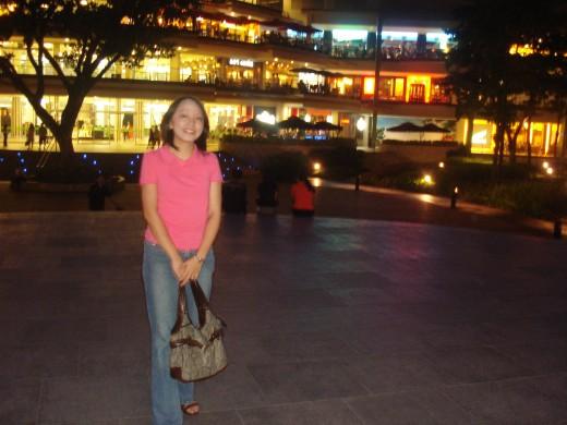 Malling at Ayala