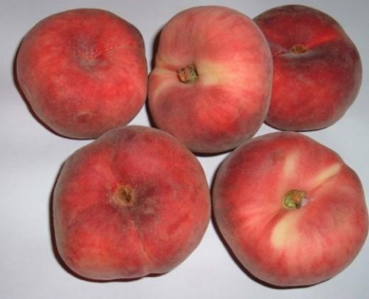 Doughnut peaches or Paraguayos