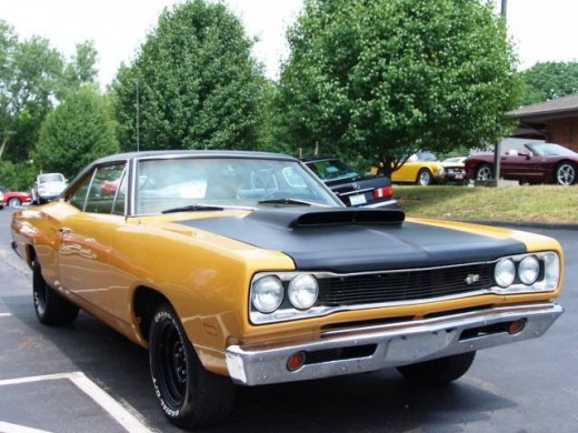 American Muscle Cars - Dodge Super Bee