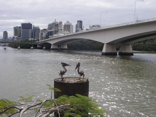 Pelican metal sculpture on Brisbane River, near the Victoria Bridge