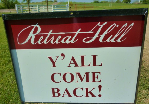 Retreat Hill Winery Sign