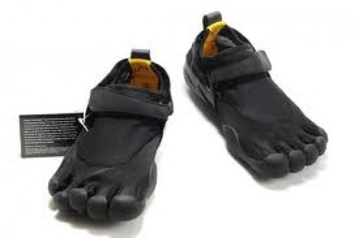Popular Black Five finger shoe