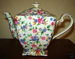 English Chintz: Beautiful Flowered Designs