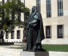 Sir William Blackstone statue in Washington DC