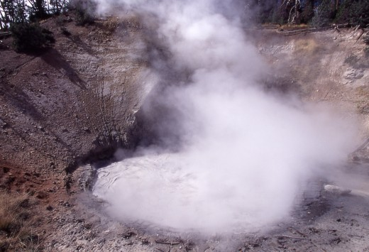 600,000 years ago, the Yellowstone caldera exploded in a super volcanic eruption. Could it be that the ice age of 600,000 years ago had its start with this event?