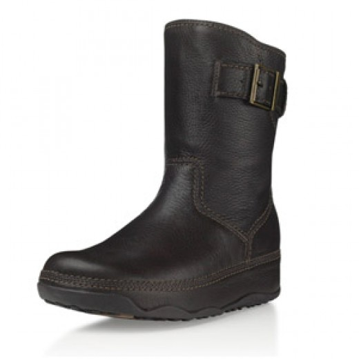 If youd prefer a FitFlop boot that is a little more subtle and a little less UGG, then this boot is the one for you. Again, the boot features the FitFlop technology but at the same time gives you a little bit more style than the previous flip flop de