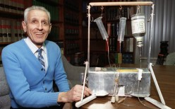 The EuthAnasia Machine invented by Jack Kevorkian