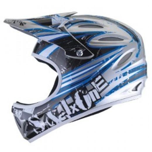Sixsixone Strike Full Face Bike Helmet.