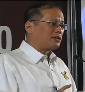 Philippine President Aquino, of Chinese descent