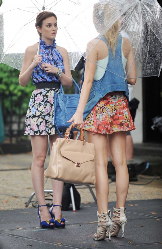 Blake Lively on Gossip Girl set in short dress and high heels