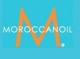 For healthy, smooth and striking shiny hair, apply a small amount of this miracle Moroccanoil throughout your hair when it is damp hair and then style as