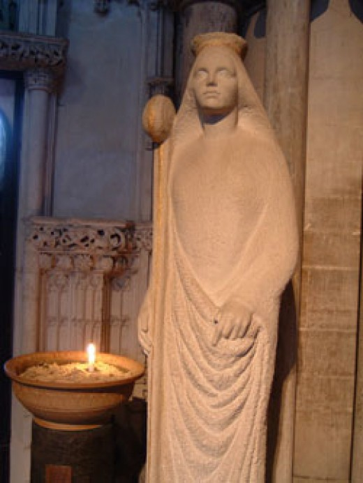 Statue of St Etheldreda