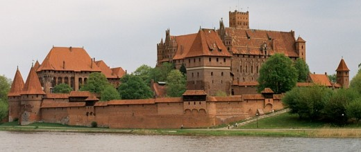 A castle made of bricks - this is the largest brick castle in the world - image credit: Wikipedia Commons.