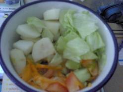 Pear, cucumber, tomatoes, carrot, iceberg lettuce