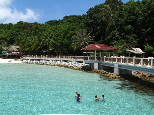 Pulau Pulau Perhentian kecil / Photo Credit http://www.flickr.com/photos/jockew/4481099755/