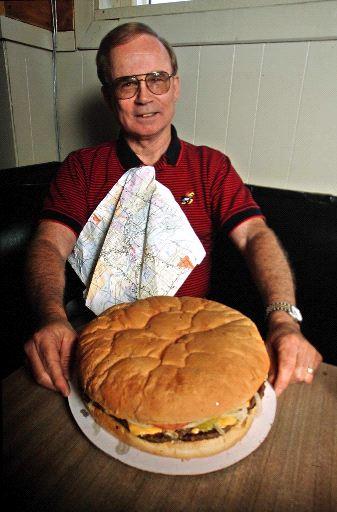 Bill Bunyan poses with a 3 Lb burger