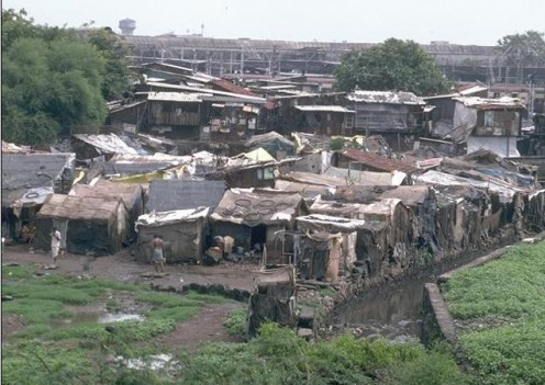 Slum areas in India (Photo courtesy of http://www.travelindiasmart.com/)