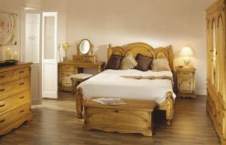 A Look At Pine Bedroom Furniture
