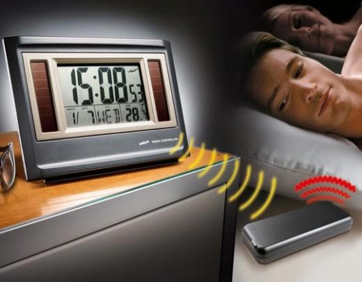 http://www.gadgetreview.com/2009/04/wireless-vibrating-alarm-clock.html Wireless vibrating alarm clock!