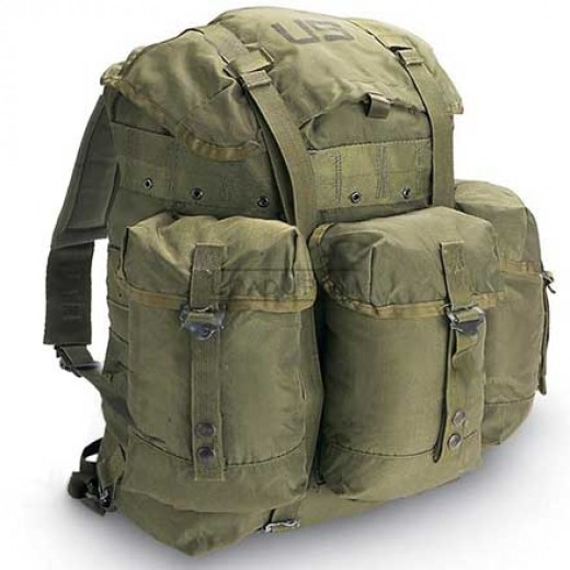 how to put on a miltary rucksack