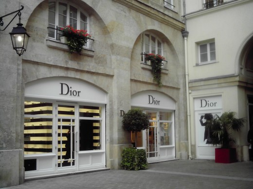 Discount Designer Clothes Paris Dior
