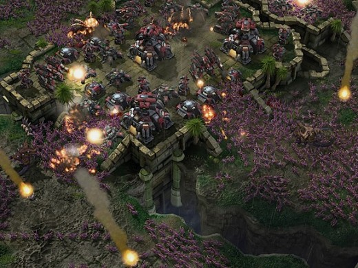 Here you can see a huge number of zerglings swarming a Terran base. This is the kind of thing Zerg are known for.