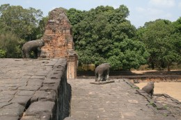 The elephant statues at each corner at Bakong