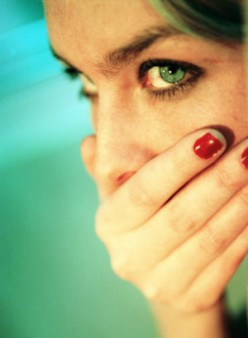 How to Prevent Bad Breath with Natural Remedies