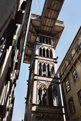 The Santa Justa Elevator Source: Wikipedia Commons