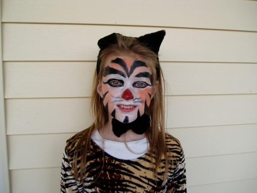 Halloween cat makeup idea.