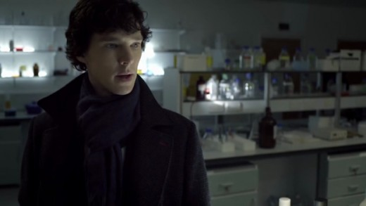 Holmes (Cumberbatch) in a hospital lab.