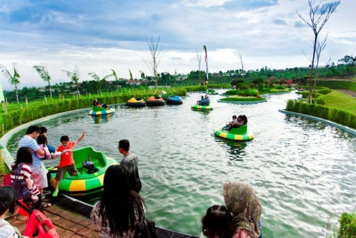 Bumper Boat area in Kampung Gajah Photo Edy Muljadi/Facebook