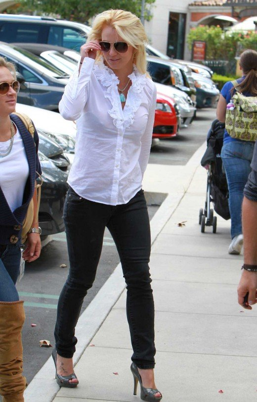 Britney Spears in jeans and heels