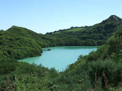 Lansalson Pit, Wheal Martyn.  Photo by: madnzany http://www.flickr.com/photos/crazyeddie/1064606948/