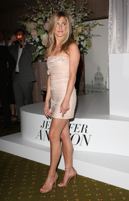 Jennifer Aniston has great legs at Harrods in London