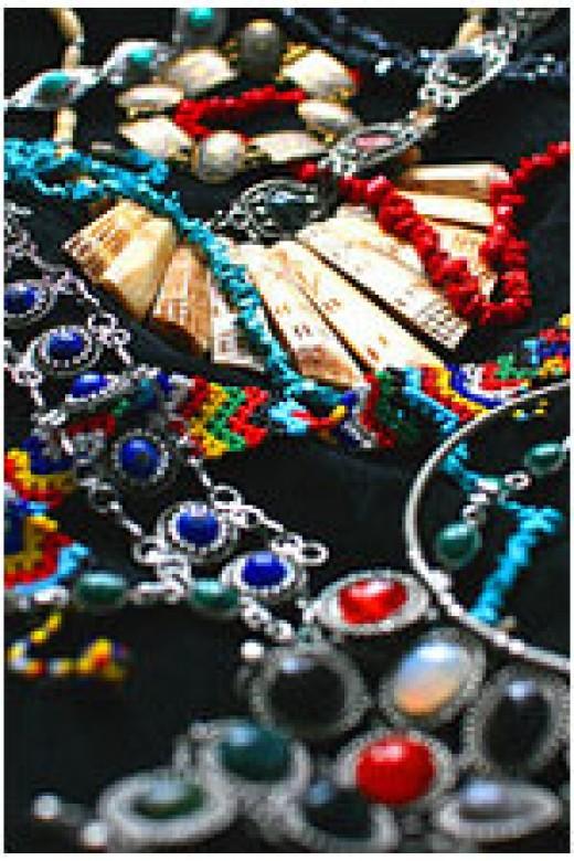 Rajasthani meenakari and jadau jewelry patterns
